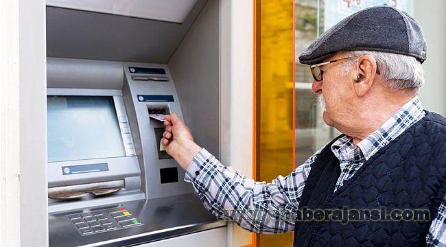 Bankaya gidemeyen yaşlılara İKRAMİYE evinde ödenecek