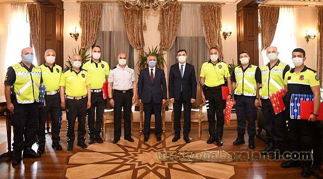 Başarılı Emniyet ve Jandarma Trafik Personeline ÖDÜL