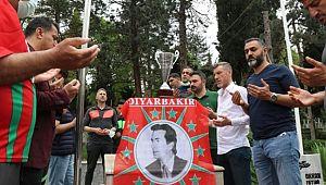 Diyarbekirspor Kupa ve Şampiyonluğu Şehit Okkan'a Armağan etti