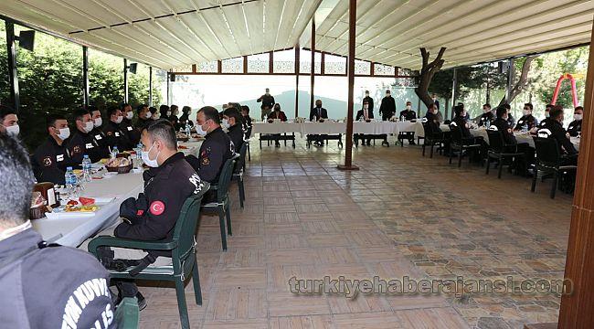 Müdür Aydın, Polislerle Kahvaltıda Bayramlaştı