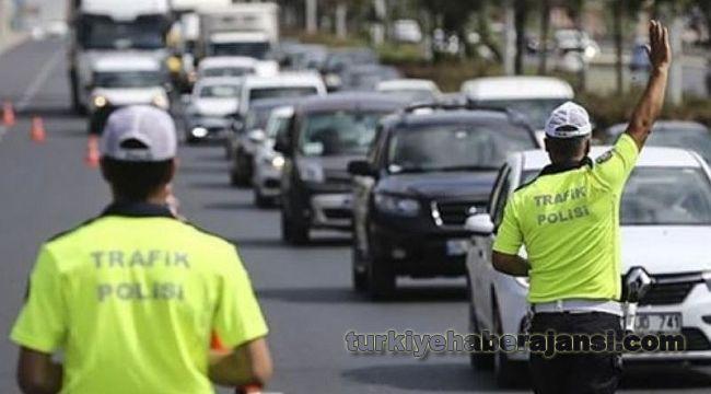 Şehirlerarası yol kontrol noktalarında 16 bin kolluk personeli GÖREVLİ