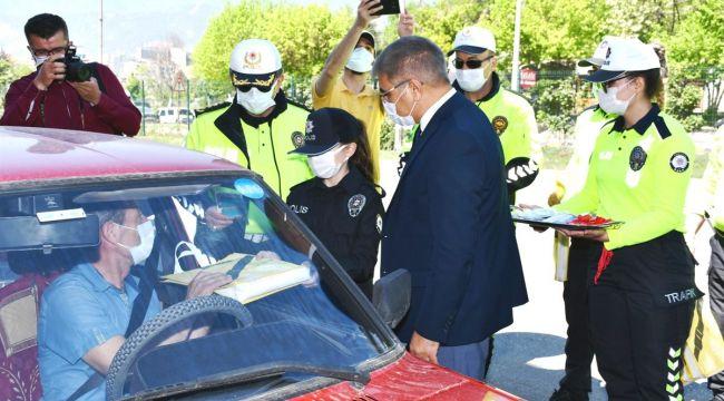 Vali Gürel, Trafik Haftası'nda kural ihlali yapan sürücüleri uyardı