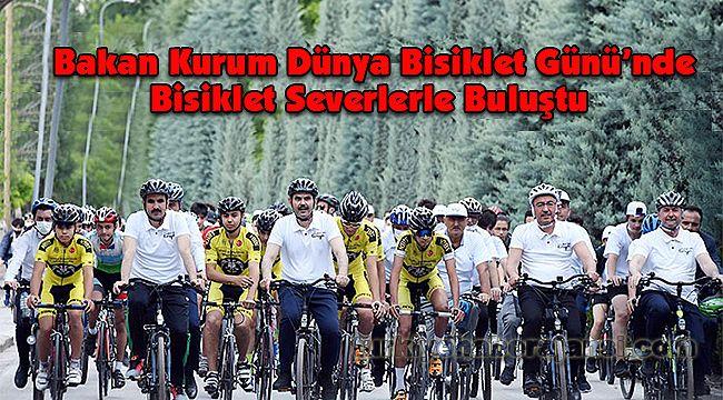 Bakan Kurum Dünya Bisiklet Günü'nde Bisiklet Severlerle Buluştu