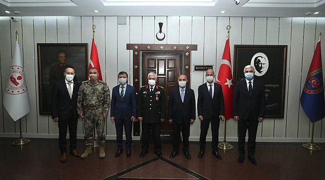 EGM Aktaş, Jandarma Genel Komutanı Çetin'i TEBRİK etti