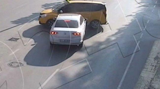 Trafik kazaları MOBESE kameralarına Yakalandı