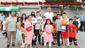 Başkan Bozkurt, Bayramın İlk Gününde Halkla Bayramlaştı