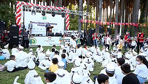 İzmir'de 1081 Çocuk İçin Sünnet Şöleni Düzenlendi