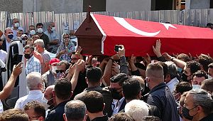 Balıkesir eski Belediye Başkanı Ahmet Edip Uğur, son yolculuğuna uğurlandı