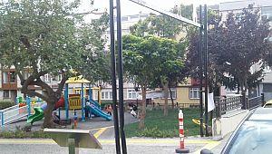 Bayrampaşa'da park yenilendi ama tabelası yok..!