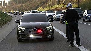 Trafikte araçlarına ÇAKAR takanlar USLANMIYOR..!