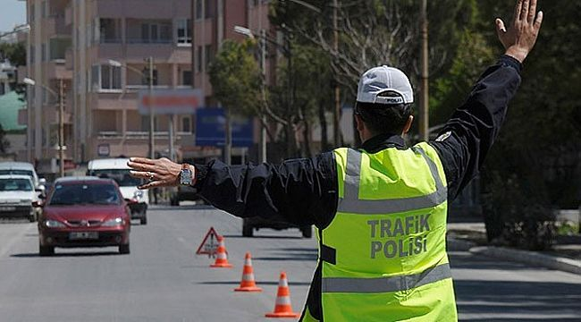 İzmir'de 20 bin 639 sürücüye CEZA kesildi