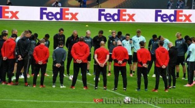 Ajax, Manchester Saldırısını Unutmadı