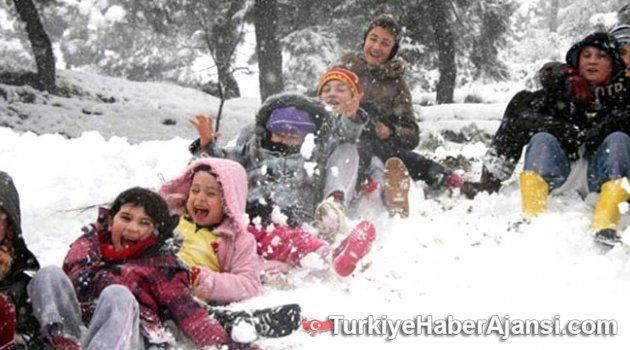 Eğitime Kar Engeli! 18 İlde Okullar Tatil Edildi