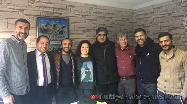 İhsan Taş'ın Jesti Emektar Oyuncuları Mutlu Etti