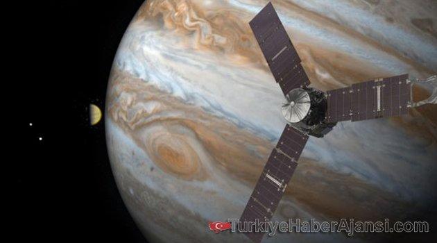 Juno Uzay Aracı Jüpiter'in Yörüngesine Girdi