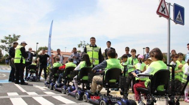 Karayolu Güvenliği ve Trafik Haftası Kutlanıyor