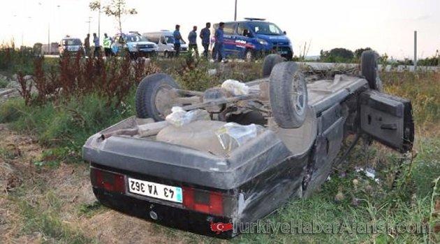 Şaftına Çuval Dolanan Araç Takla Attı: 4 Yaralı