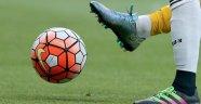13 Futbolcuya Para ve Men Cezası