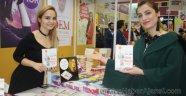 Yazar Çağıl Yaman'ın İmza Gününe Yoğun İlgi