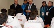 Vali Azizoğlu, 'Sporcularımızın Her Daim Yanındayız'