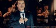 Haluk Levent'ten Tüyleri Diken Diken Eden 'İzmir Marşı'