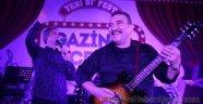 Ümit Besen ve Yeliz ile Keyifli Turne Başladı