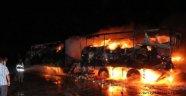 PKK Doğubayazıt'ta 3 Tırı Ateşe Verdi