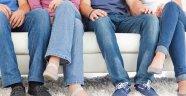 Bacak Bacak Üstüne Atmanın Zararları