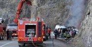 Borçka'da Devrilen Tanker Alev Alev Yandı