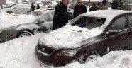 Çatıdan Düşen Kar Hurdaya Çevirdi!