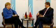 Davutoğlu, Merkel İle Görüştü