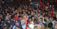 Demokrasi Nöbetinde AK Parti ve CHP Kavgası