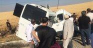 Diyarbakır'da Polis Midibüsü İle Sivil Araç Çarpıştı!