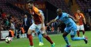 Galatasaray İlk Yarıda İşi Bitirdi