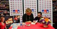 Gülse Birsel, D&R Kanyon'da Yeni Kitabını İmzaladı