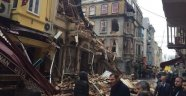 İstiklal Caddesi Yakınında 5 Katlı Bina Çöktü!