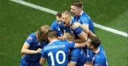 İzlanda İngiltere'yi Duman Etti