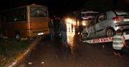 Karabük'te Otomobil ve Minibüs Çarpıştı