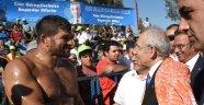 Kılıçdaroğlu Poşu Taktı Er Meydanına İndi
