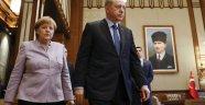 Merkel'den Referandum Sonrası İlk Açıklama