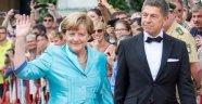 Merkel'in Eşi Türkiye'ye Geliyor