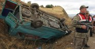 Minibüs Şarampole Devrildi: 2 Ölü, 12 Yaralı