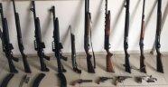 Otel Bodrumunda Silah Ele Geçirildi