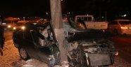 Otomobil Ağaca Saplandı: 3'ü Ağır 5 Yaralı