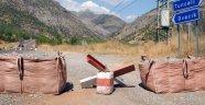 PKK'lı Teröristler Tunceli'de Yol Kesti