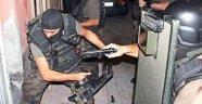 Şanlıurfa'da Polisten Polise Baskın!