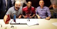 Trabzonspor Castillo'ya İmzayı Attırdı!