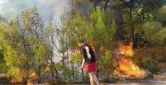 Yangın Tüpleriyle Ormanı Kurtardılar