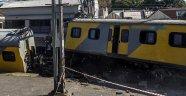 Yolcu Treni Raydan Çıktı: 53 Ölü