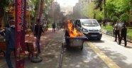Zabıtaya Kızdı, Seyyar Tazgahını Yaktı